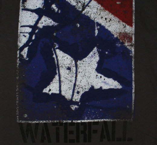 【Amplified】 The Stone Roses / Waterfall Tee (Charcoal)
